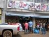 em Santa Elena de uairen os muambeiros brasileiros fazem as suas compras.